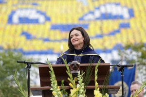 Sheryl Sandberg speaks to Cal graduates. (SF Chronicle Photo)